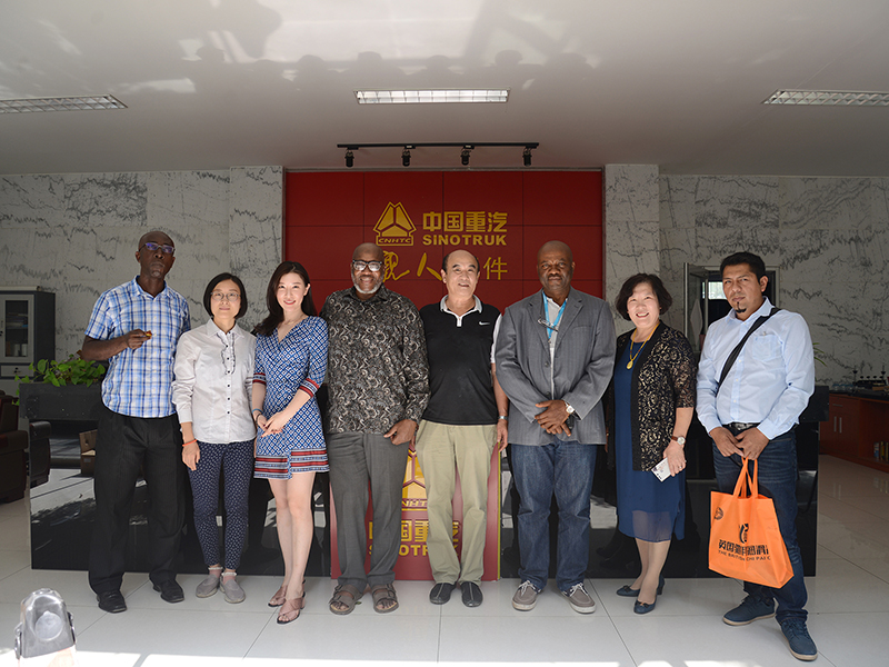 Sinotruk HOWO Parts merchants group payed a visit to TOPLEAD